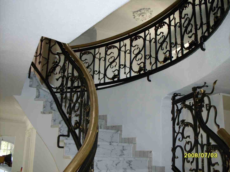 Schmiedearbeiten barocktreppe barocke treppengelaender for Gartendeko schmiedeeisen